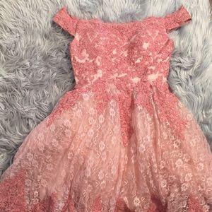 Dresses & Skirts - STUNNING LACEY PINK DRESS💖🌸 🛍🎀NEVER WORN‼️